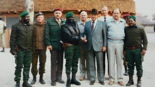 South African President and  top ministers visit Angolan Rebel leader Jonas Savimbi in Jamba