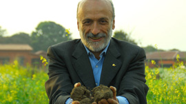 Slow food founder Carlo Petrini: healthy food = healthy dirt