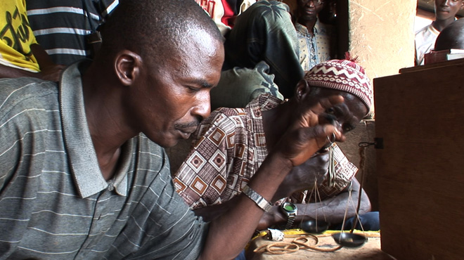 Measuring gold at the market