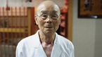 Meet Jiro Ono, owner and meticulous chef of a tiny Tokyo sushi restaurant.
