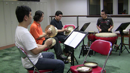Li Zhonghua assembled a group of Chinese percussionists for Stewart Wallace's score.