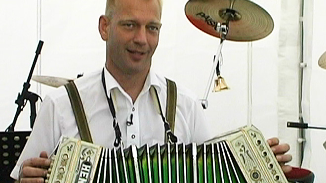 Dan Witucki, fresh from his ongoing gig at Disney World, talks about the concertina