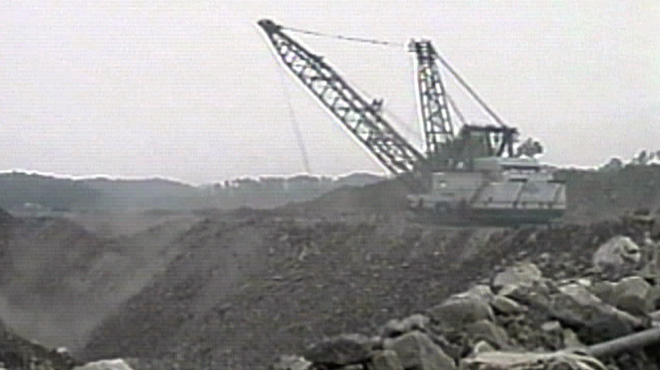 View of the dragline at Hobet 21 mine