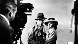 Humphrey Bograt and Indrid Bergman on the set of Casablanca (1942)