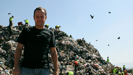 Vik Muniz at Jardim Gramacho in Waste Land